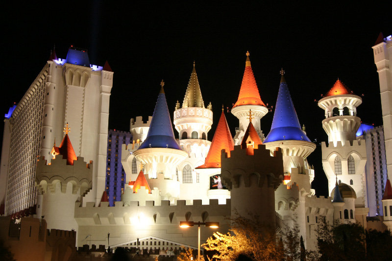 LasVegas-Excalibur-Night-Time-Hotel-Opinion